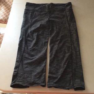 Athleta Capri Workout Pants L